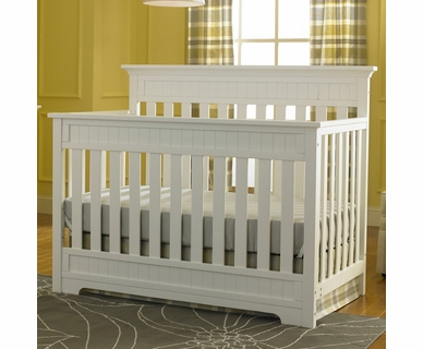 Fisher Price Lakeland Convertible Crib in Snow White