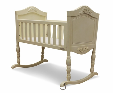 Green Frog Cradle in Antique White