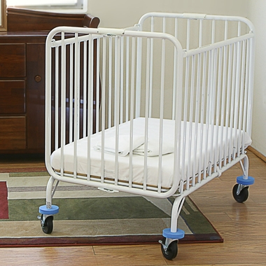 LA Baby Deluxe Holiday Crib in White