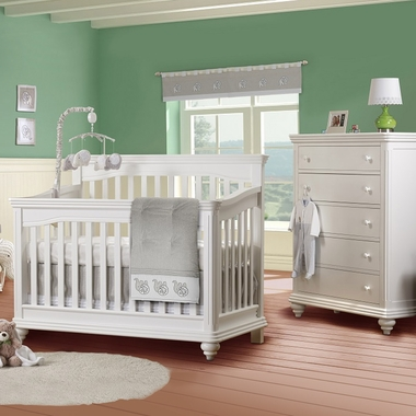 Lusso Vicenza 2 Piece Nursery Set Crib With Toddler Rail And 5 Drawer Dresser In
