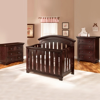 Westwood Design Geneva 3 Piece Nursery Set   Convertible Crib, Combo  Dressing Chest And 4