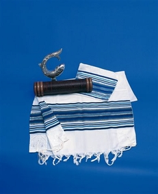 """Noy"" Traditional Tallit with 8 tzitziot 107X160cm"