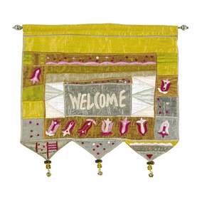 Welcome - Flowers - Gold Wall Hanging In English CAT# WE-6