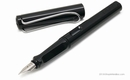 LAMY Safari Fountain Pen - Shiny Black, Medium Nib