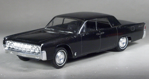 amt 1964 lincoln continental 4 door sedan 3 in 1 built kit. Black Bedroom Furniture Sets. Home Design Ideas