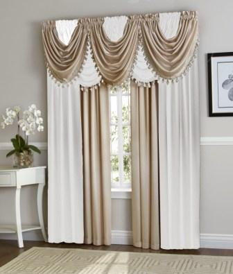 Hilton Curtain Set (White/Beige)
