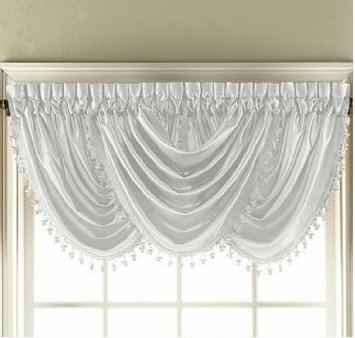 Hilton Waterfall Valance (White)