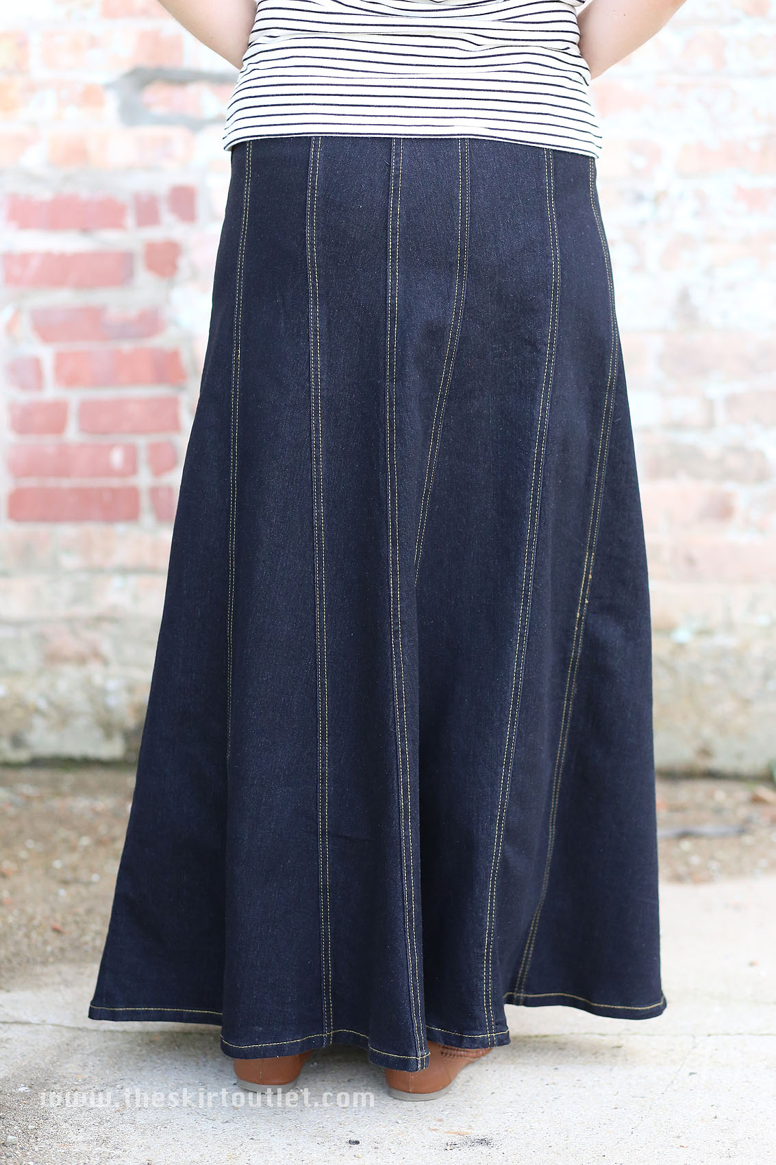 Plus size denim gored skirt – Modern trending things photo blog