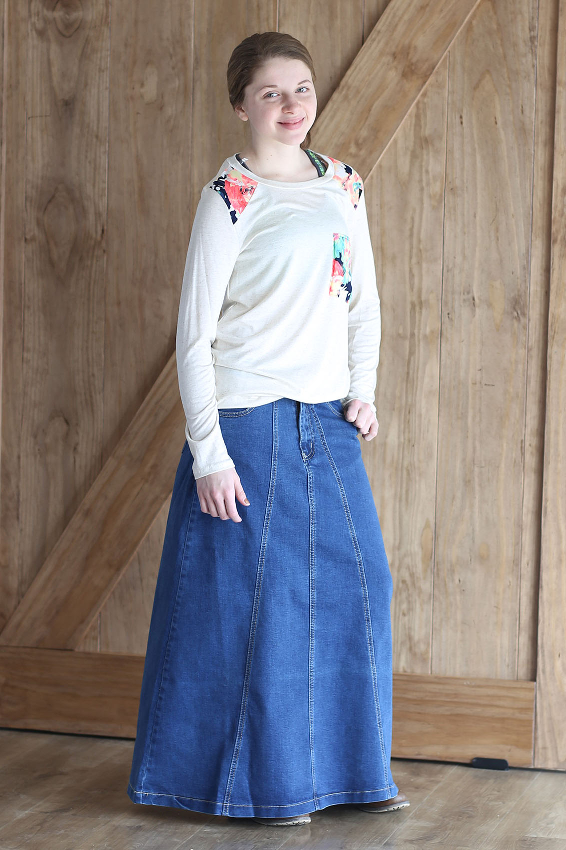 Girls Modest Clothing Modest clothing for girls: Modest Apparel USA offers a large selection of modest clothing for girls including long dresses and jumpers, long skirts, calf length skirts in denim and prints, several different culotte styles from basic to box pleat culottes for a more skirt look, we offer several styles of modest skorts for.