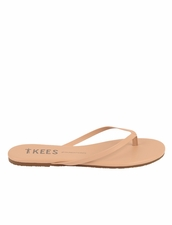Tkees Foundations in Sunkissed Sandals