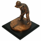 Lot 49 - Pinehurst 'Putter Boy' Balfour Sundail Statue