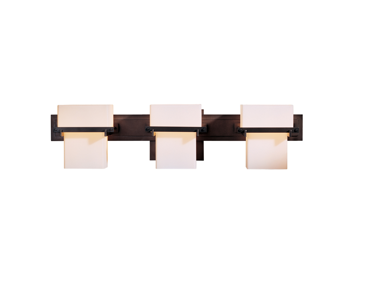 hubbardton forge 207833 3 light kakomi box wall sconce shown in dark