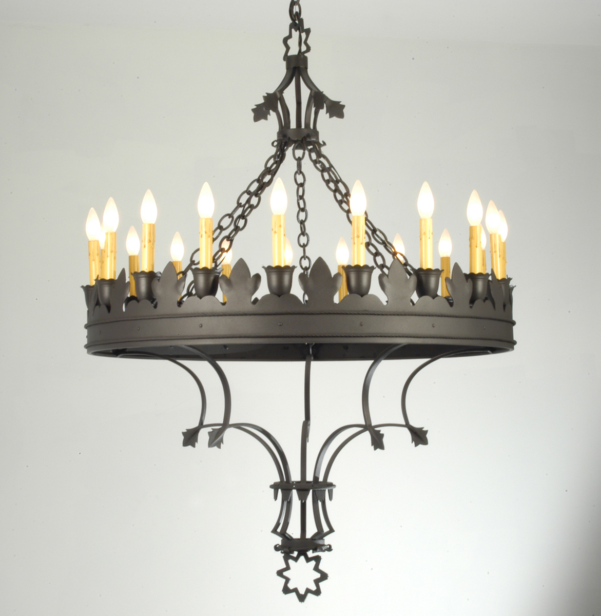 "Meyda Tiffany (19847) 36.5""W Seville 19 Light Chandelier"