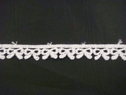 1 Y White Venise/Venice Bow Design Edge Lace Trim 7/16