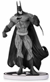 Batman Black & White Statue By Bisley 2Nd Edition pre-order