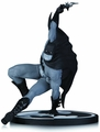 Batman Black & White Statue By Bryan Hitch pre-order