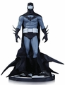 Batman Black & White Statue By Jae Lee pre-order