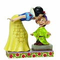 Disney Traditions Snow White Kissing Dopey Figurine pre-order