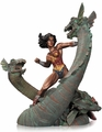 Wonder Woman Vs Hydra Mini Patina Statue pre-order