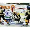 Game 3: Tim Thomas Hit on H. Sedin