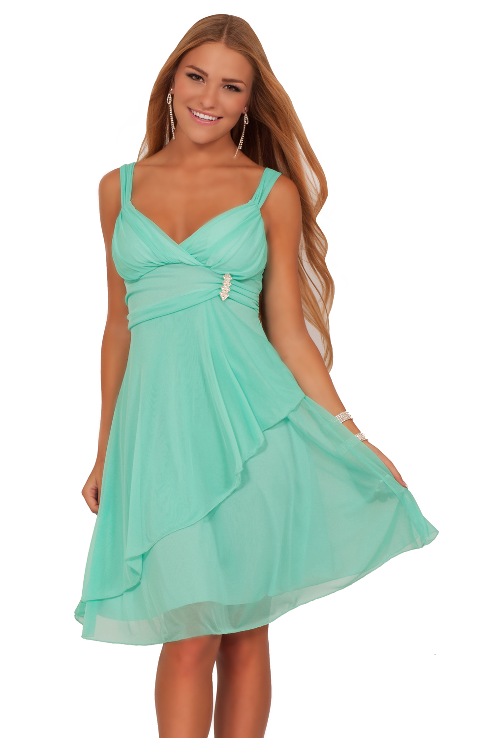 Kohl's Juniors department offers everything from summer dresses and sweater dresses to party and prom dresses. Find halter dresses for teens, fancier homecoming dresses and winter formal dresses for the big dance, fit and flare styles and much more.