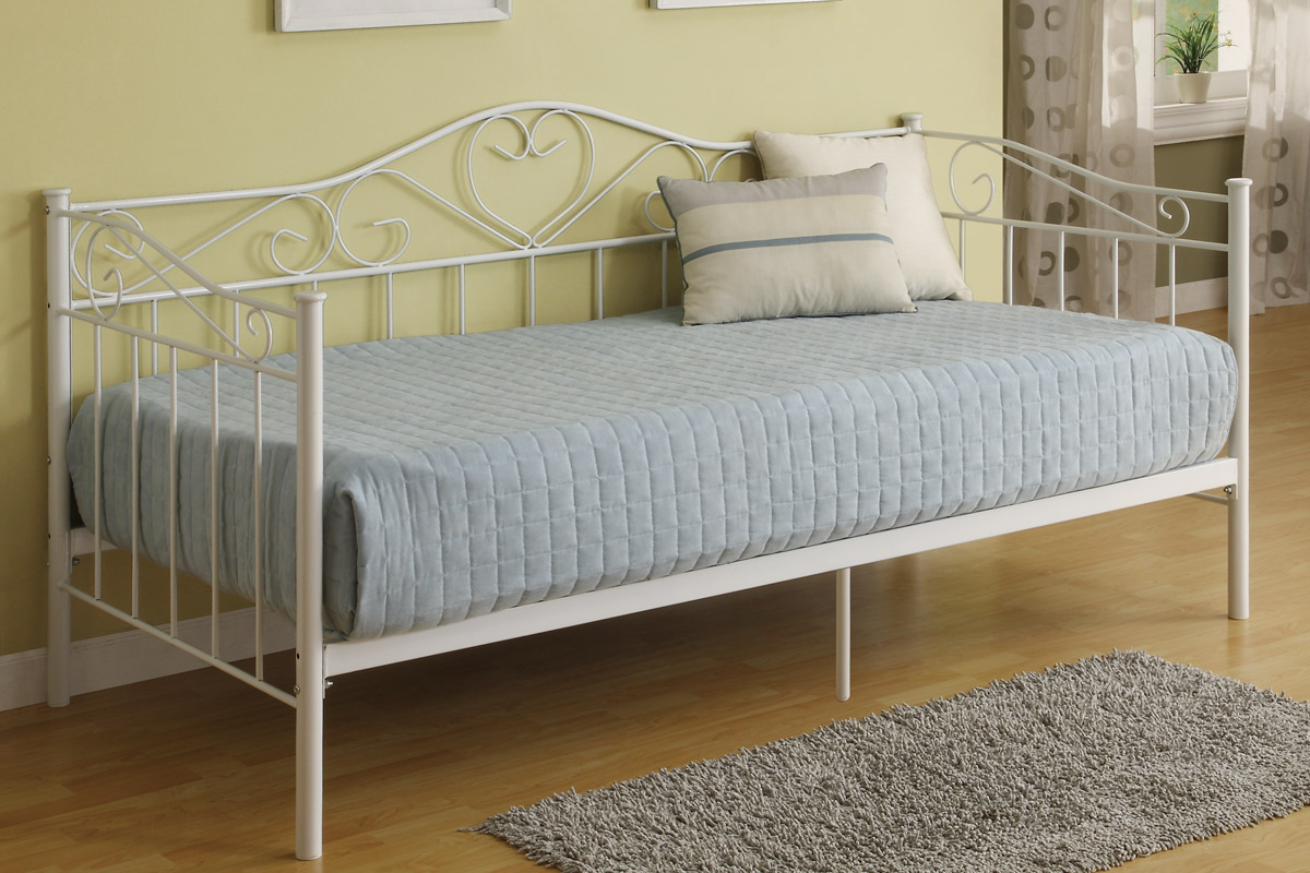 White Daybed Great Bouquet White Ii Kids Furniture Daybed