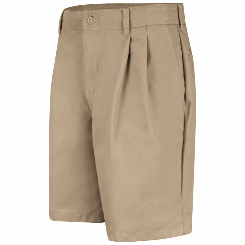 From sophisticated women's shorts, shorts for juniors to regal men's shorts, there is a pair for everyone, no matter their tastes. For those who love an edgy look, consider a pair of shorts with pleats in a leather-like material.