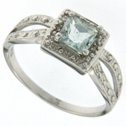 0.61ctw Aquamarine and Diamond Ring in Sterling Silver