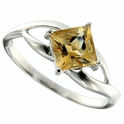 0.90ctw Citrine Ring in Sterling Silver