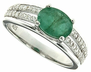 1.23ctw Emerald Ring in Sterling Silver