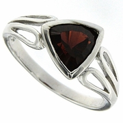 1.43ctw Garnet Ring in Sterling Silver