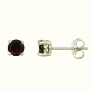 1.20ctw Garnet Stud Earrings in Sterling Silver