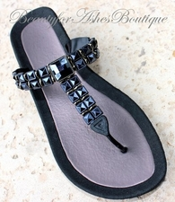 "BEACH BLACK JET PYRAMID CUT THONG FLIP FLOP BLING SANDALS 2"" Size 6"