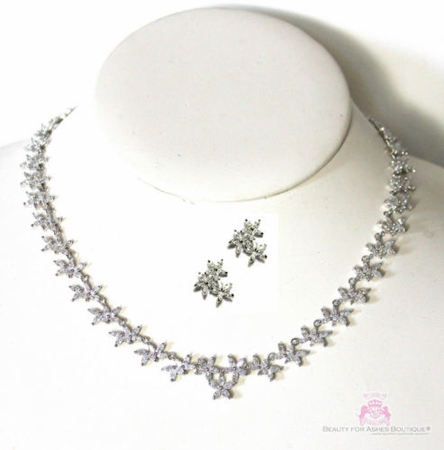 CLEAR FLORAL FLOWERS PROM BRIDESMAID WEDDING CHOKER NECKLACE