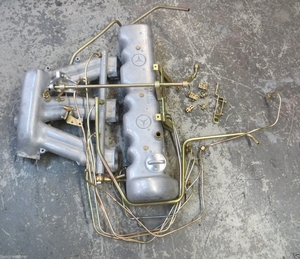 MERCEDES M130 M129 W108 W111 W113 valvecover, intake manifold fuel late style