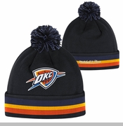 Oklahoma City Thunder Mitchell & Ness Black Out Team Stripe Knit - Black