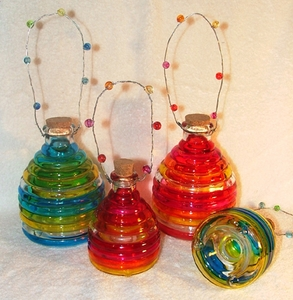 Colorful Glass Wasp Catcher - Small 3x5