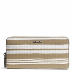 Bleecker Accordion Zip Wallet in Embossed Woven Leather