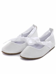 Ballerina Shoes with a Ribbon Tie and Rubber Sole