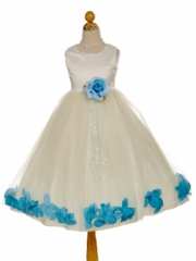 Lovely Petal-Inspired Flower Girl Dress