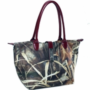 Realtree Camouflage tote bag with Twist Lock Accent (51939B-BR)
