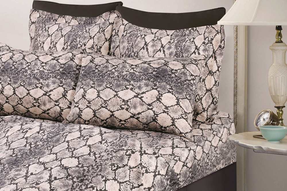 Tribeca Living Kenya Snake Printed Egyptian Cotton 300 Thread Count Deep  Pocket Sheet Set