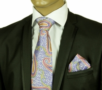 Necktie and Pocket Square by Verse 9 . 100% Silk . Big Knot