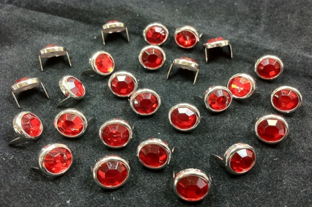 T2345-2P Red  1/2 inches 12.7mm Synthetic Crystal Gem Round Spots 10/pk