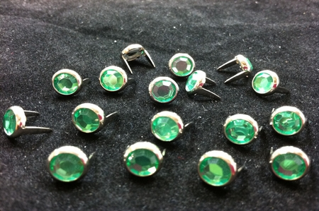 T2202-2P Green  5/16 inches(8.2mm) Synthetic Crystal Gem Round Spots 10/pk