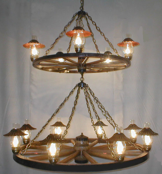 Wagon Wheel Light Chandelier: (DXWW030S) Wagon Wheel Chandelier 2-Tier W/Hurricane