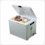 Koolatron P75 12-Volt 36 Quart 57 Can Thermoelectric Cooler / Warmer