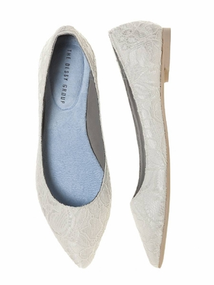 Dessy Accessories: Dessy Lace Flat