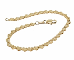 1-0413-f8 18kt Brazilian Gold Filled Heart Link Bracelet. 4mm wide by 7.5 inches length.
