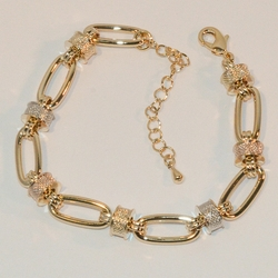"1-0451-e6 Beautiful Three Tone Large Link Bracelet. 7""-8.5"" adjustable length. 8mm wide."